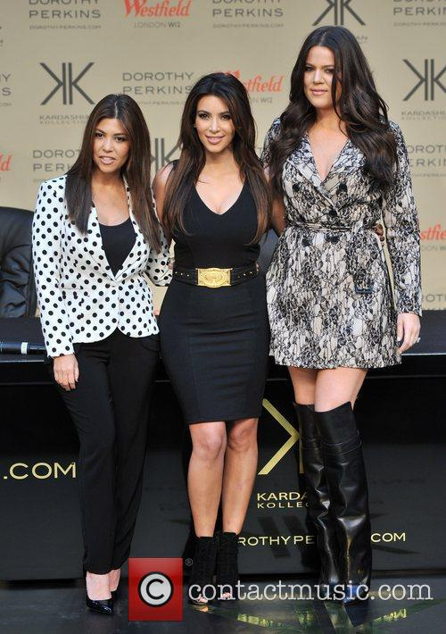 Kourtney Kardashian, Kim Kardashian and Khloe Kardashian 2