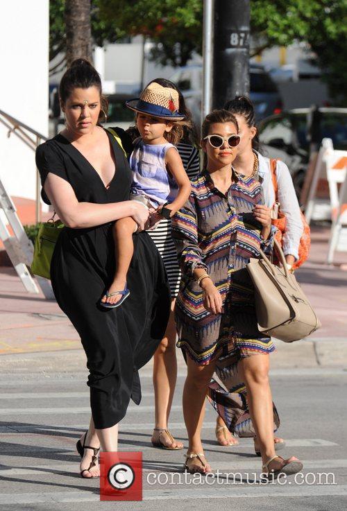 Kourtney Kardashian, Khloe Kardashian and Mason Disick 8