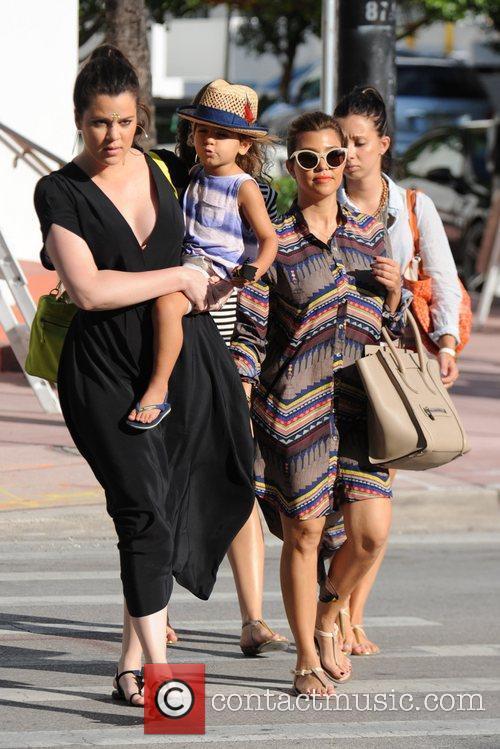 Kourtney Kardashian, Khloe Kardashian and Mason Disick 5