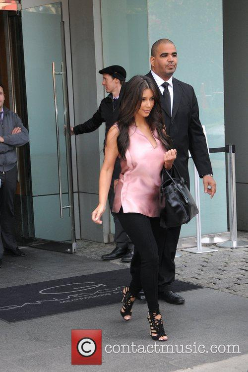Kim Kardashian and Manhattan Hotel 3