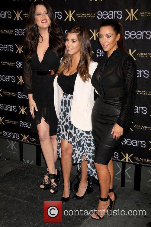 Kim Kardashian, Khloe Kardashian and Kourtney Kardashian 4