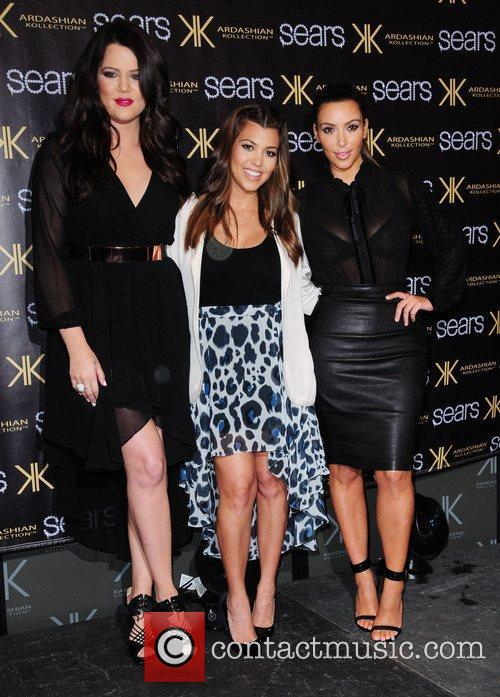 Khloe Kardashian, Kim Kardashian and Kourtney Kardashian 2