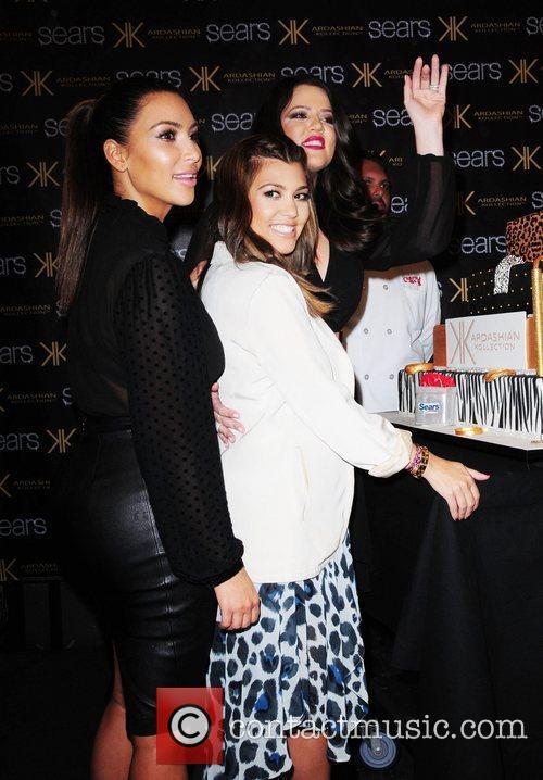 kim kardashian kourtney kardashian and khloe kardashian kim 4081019