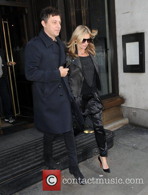 Kate Moss and Jamie Hince 11