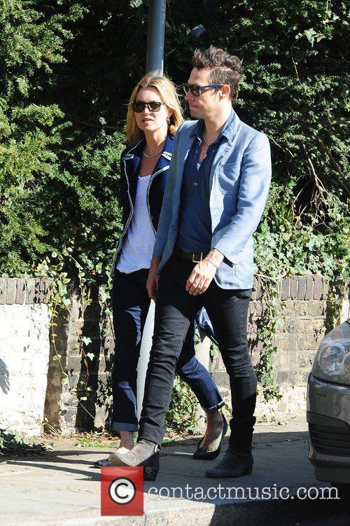 Kate Moss and Jamie Hince 3