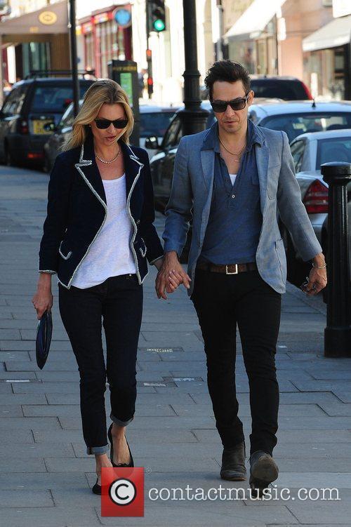 Kate Moss and Jamie Hince 4