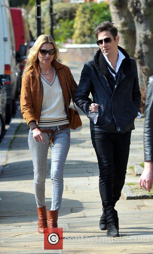 Kate Moss and Jamie Hince 11