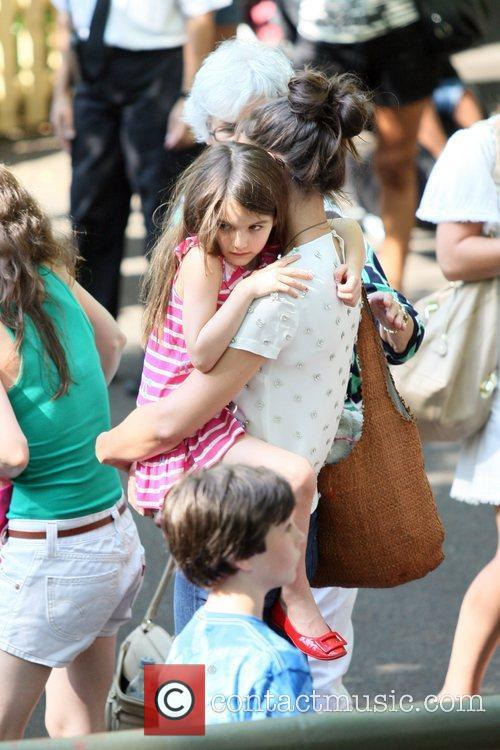 Katie Holmes and Central Park 16
