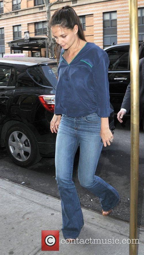 Katie Holmes arriving at her apartment in Manhattan.