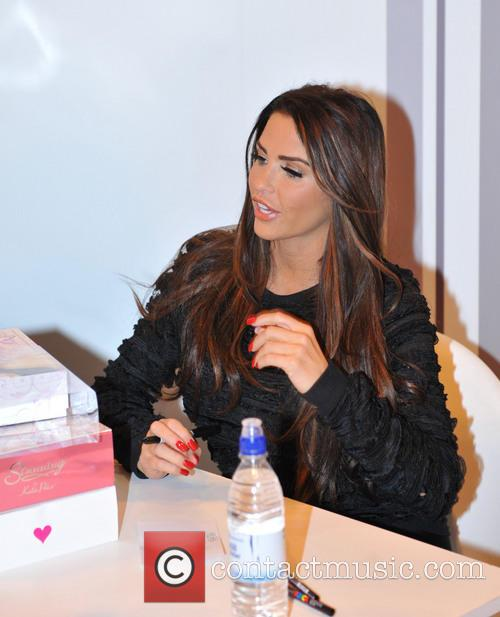 Katie Price, Girls Day Out, Glasgow. She and London Perfume Company 9
