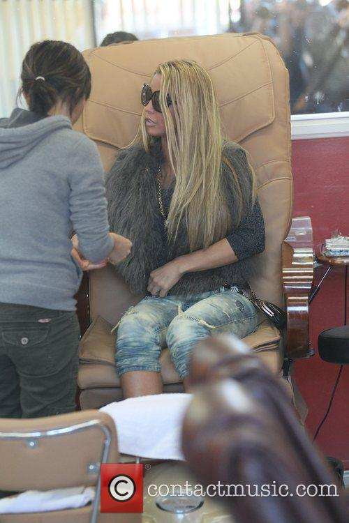 katie price is seen getting her nails 5764801