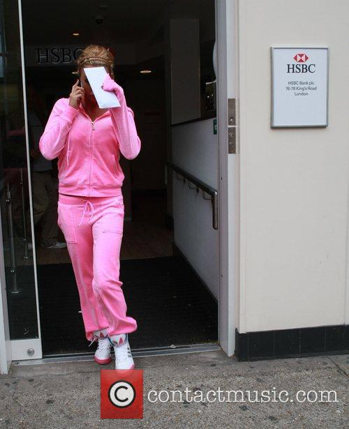 katie price stops into a bank and 5860695