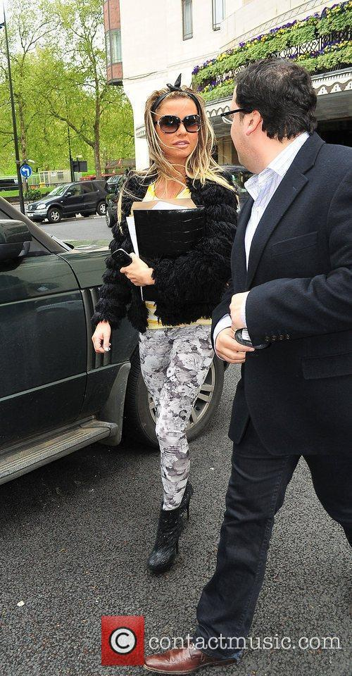Katie Price and Dorchester Hotel 8