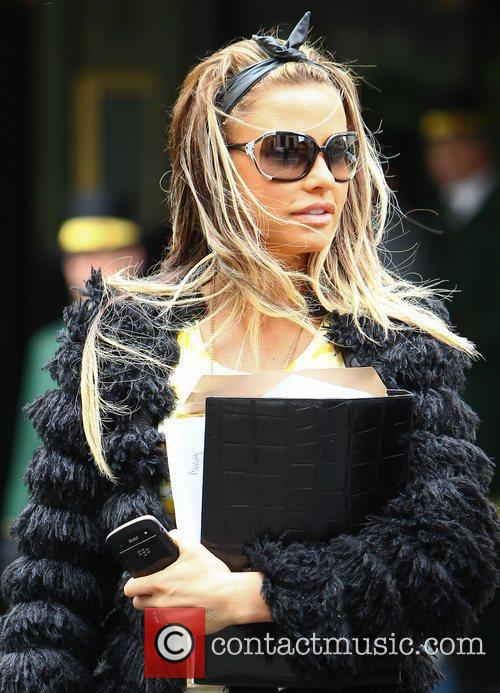 Katie Price and Dorchester Hotel 11