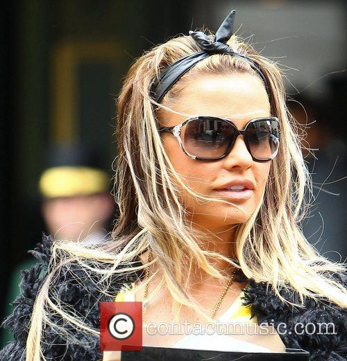 Katie Price and Dorchester Hotel 13