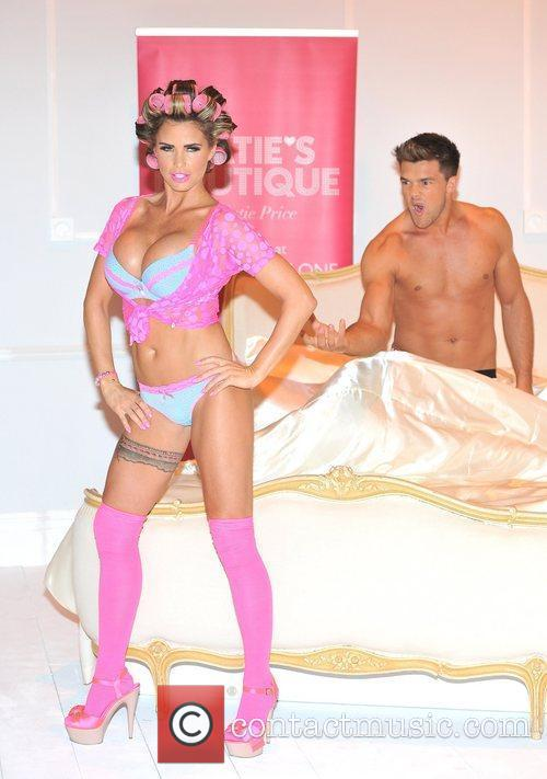 katie price and leandro pena launches her 5854075