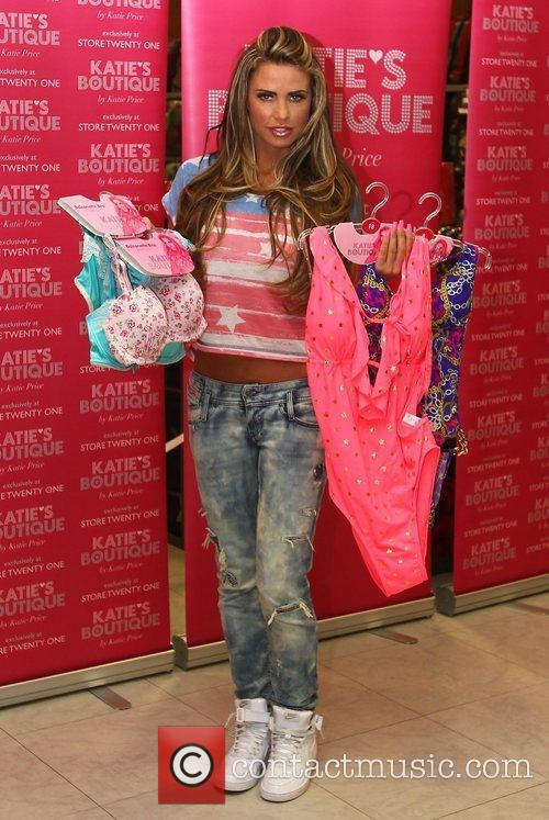 glamour model katie price promotes her latest 3771667