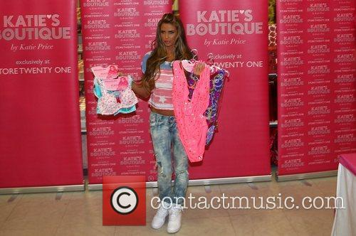 glamour model katie price promotes her latest 3771668
