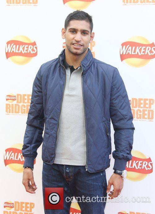 Amir Khan Walker's deep ridged crisps - Britain's...