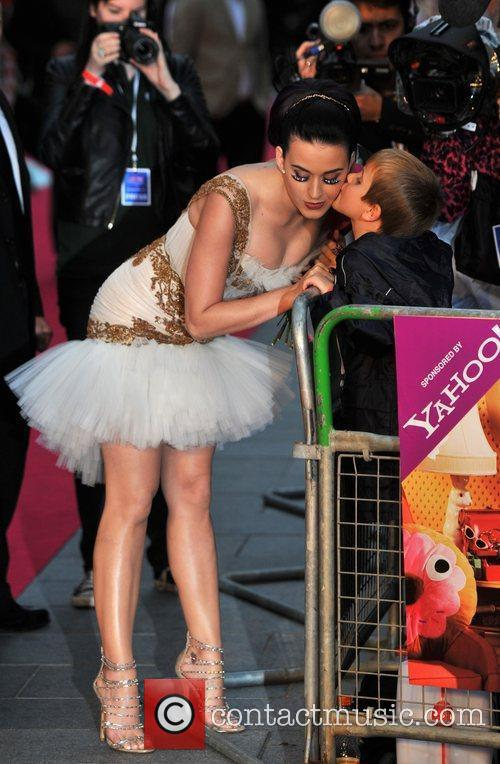Katy Perry and Empire Leicester Square 17