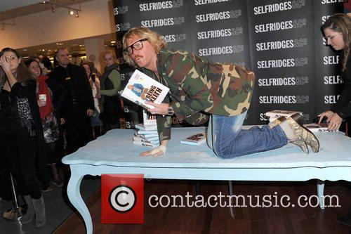 keith lemon promotes his book being keith 5955008