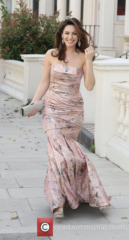 kelly brook leaving for the tie and 3968087