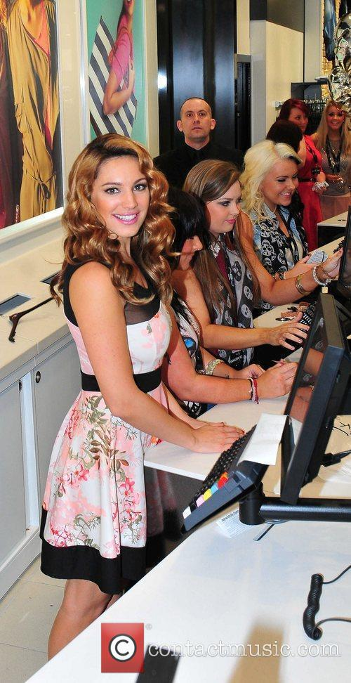 Kelly Brook and New Look 19