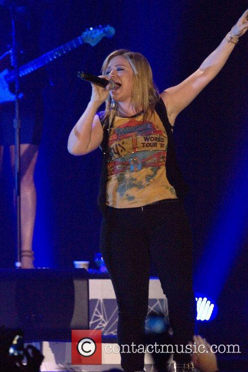 Kelly Clarkson and Braehead Arena 1