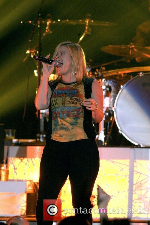 Kelly Clarkson and Braehead Arena 3