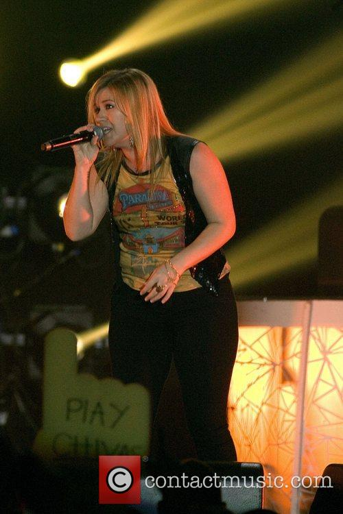Kelly Clarkson and Braehead Arena 7
