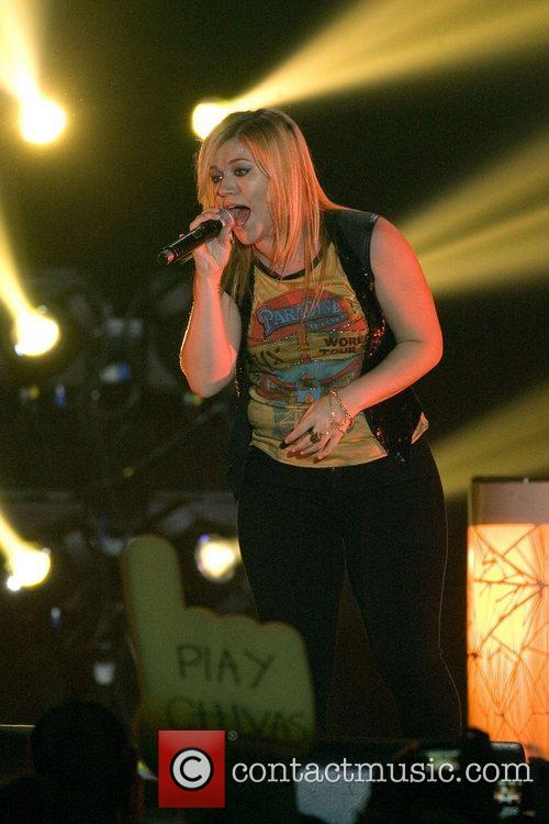 Kelly Clarkson and Braehead Arena 18