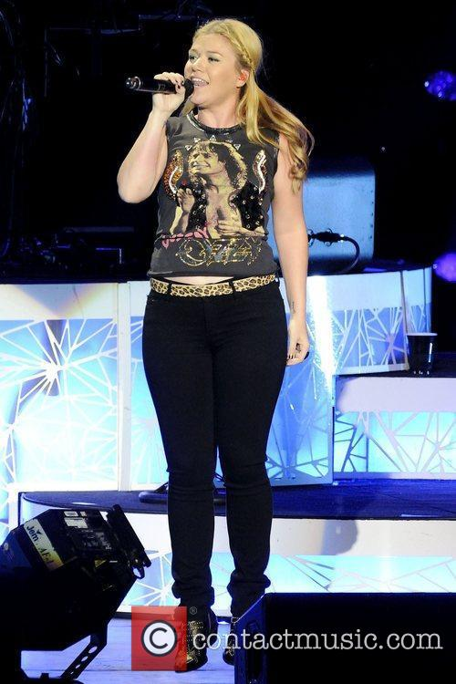 Kelly Clarkson 6