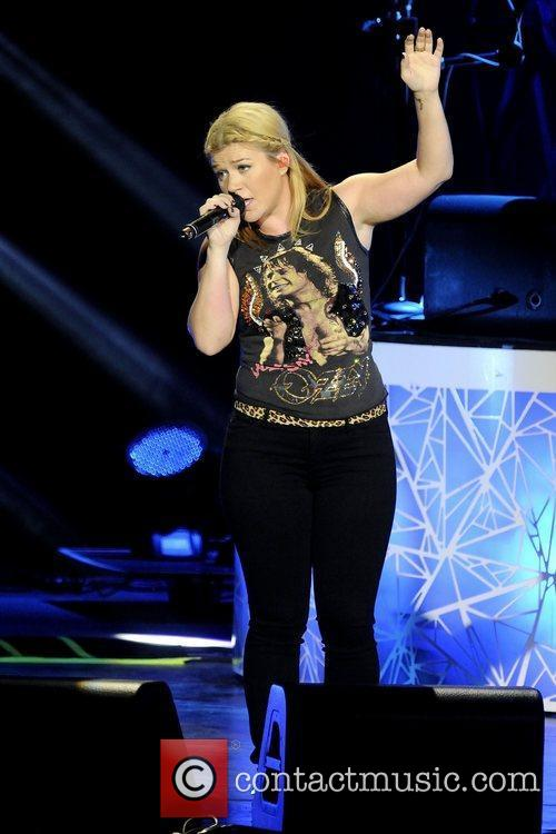 Kelly Clarkson 8