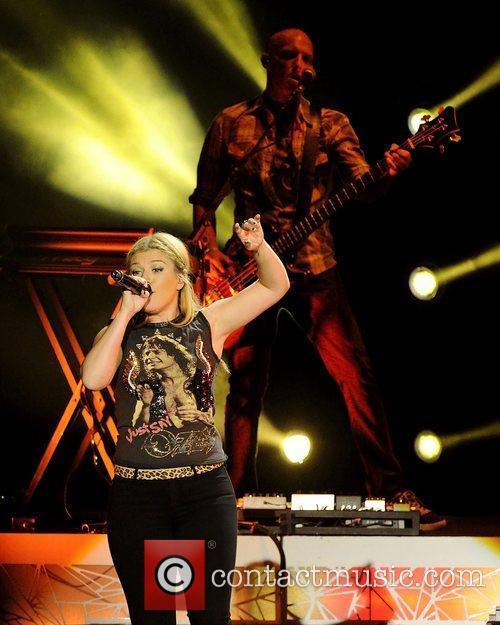 Kelly Clarkson 12