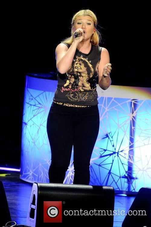 Kelly Clarkson 15