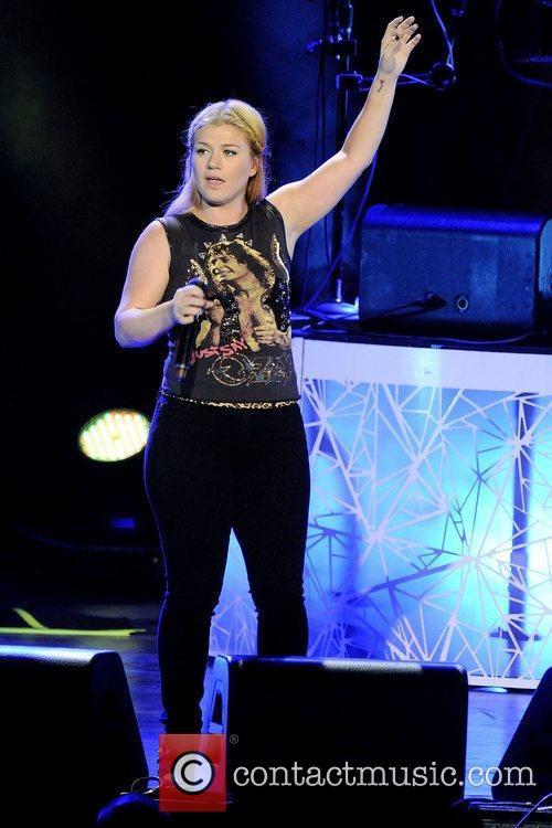 Kelly Clarkson 16