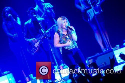 Kelly Clarkson and Wembley Arena 6