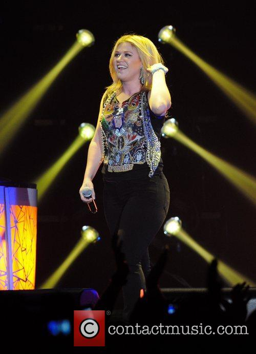 Kelly Clarkson and Wembley Arena 3