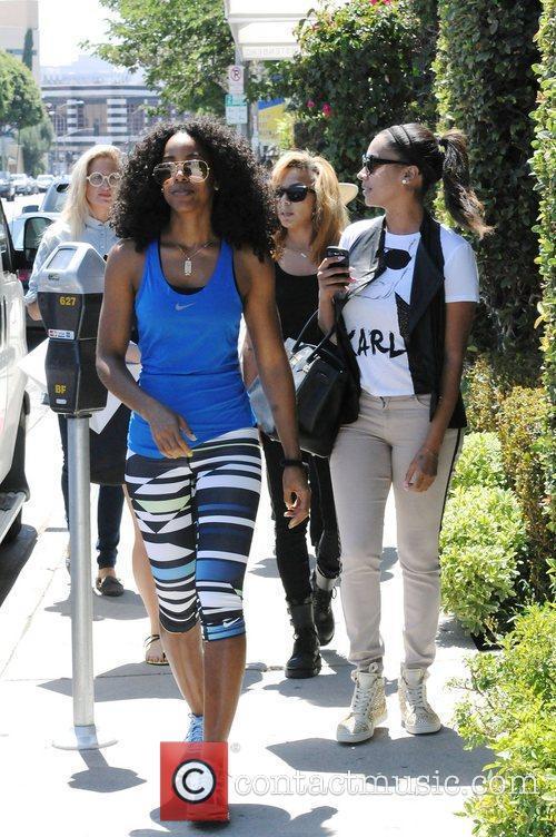 Kelly Rowland and Lala Vasquez 6
