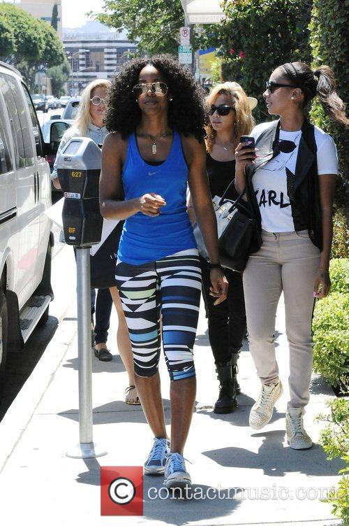 Kelly Rowland and Lala Vasquez 26