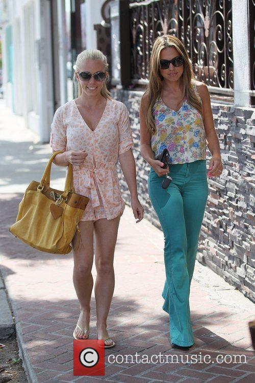 kendra wilkinson shops at crossroads trading company 5851390