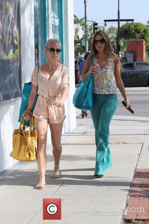 kendra wilkinson shops at crossroads trading company 5851399