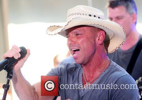 kenny chesney performs live at rockefeller center 5868290