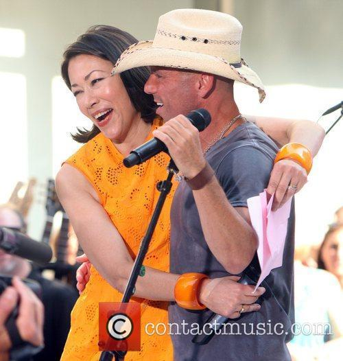 Ann Curry and Kenny Chesney 1