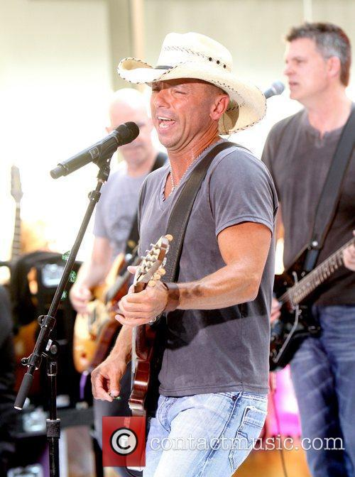 kenny chesney the toyota concerts series on 3958711