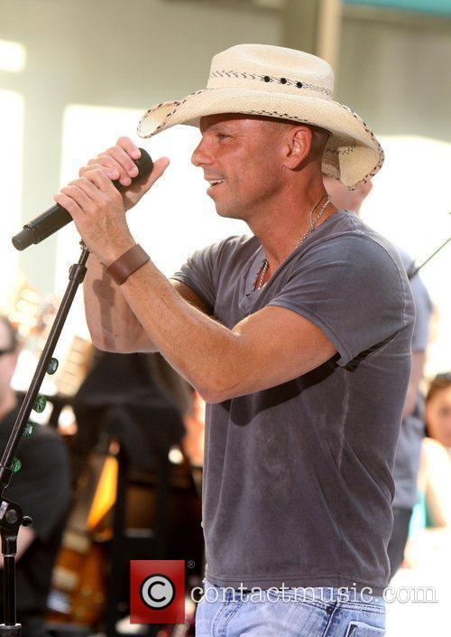 kenny chesney the toyota concerts series on 3958713