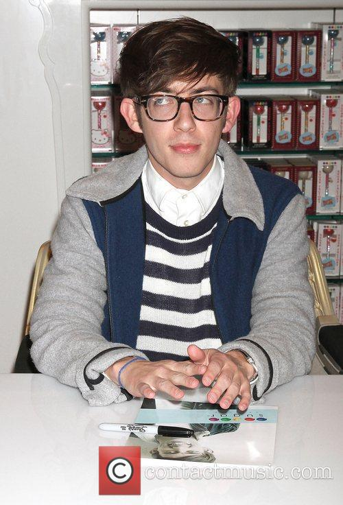 Kevin McHale and Glee 4