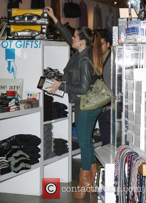 Khloe Kardashian starts her Christmas shopping with a...