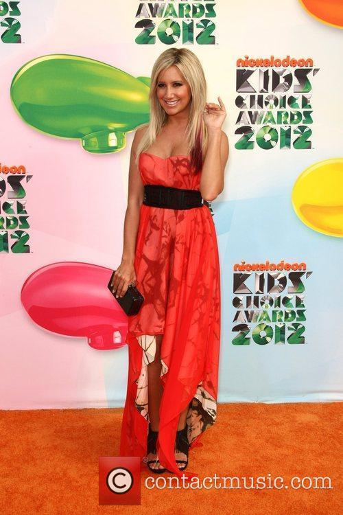 http://www.contactmusic.com/pics/lf/kids_choice_awards_8_010412/ashley-tisdale-2012-kids-choice-awards-held_5819432.jpg