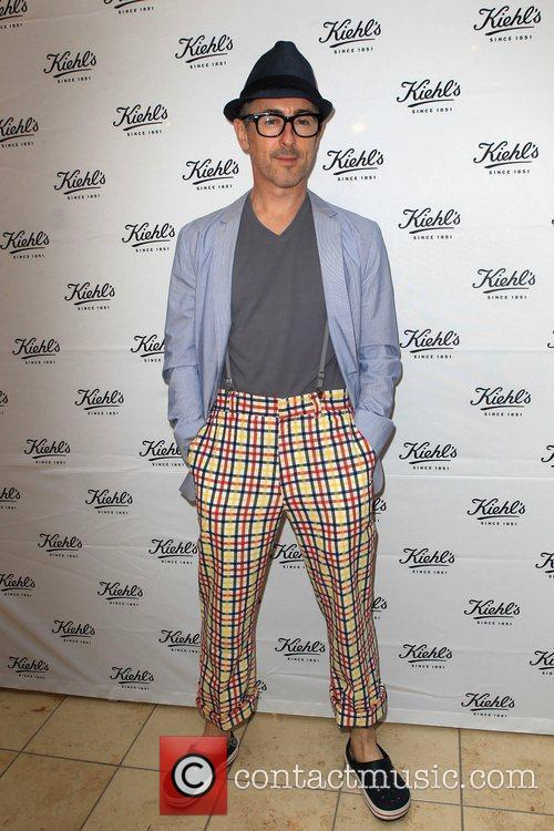 actor alan cumming attend the grand opening 5895332